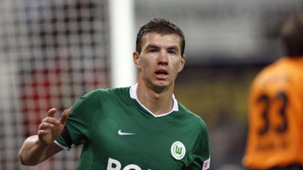Vfl Wolfsburg Keine Angebote Für Edin Dzeko Fußball