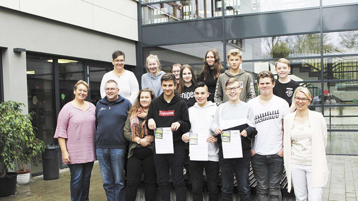 IGS: 14 weitere Bus-Scouts am Start | Einbeck - leinetal24.de
