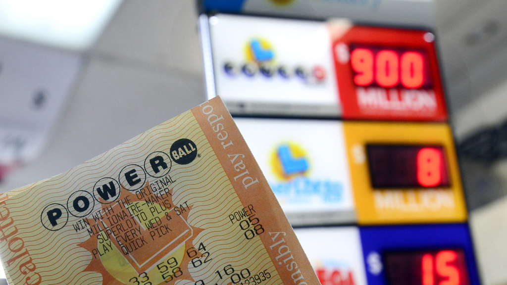 Powerball lottery jackpot at 900 million